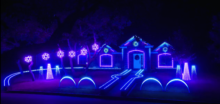 Cadger Christmas Light Show