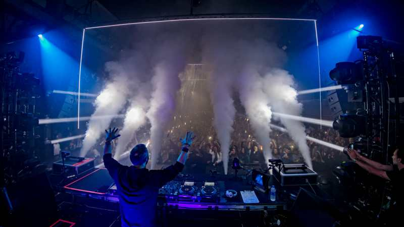 David Guetta lights Brooklyn up on New Years with Light & Life – photos by Mike Poselski12 31 18 DavidGuetta@BNY ByPoselskiPhotos 5