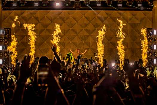 Zedd floods The Brooklyn Mirage with color during venue debut | Images by Alive CoverageZEDDMIRAGE2021 0710 011504 2628 ALIVECOVERAGE 2
