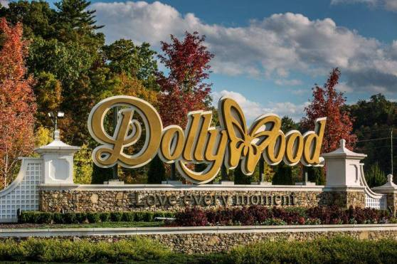 Dollywood-sign