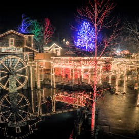 Dollywood-Winterfest-Grist-Mill