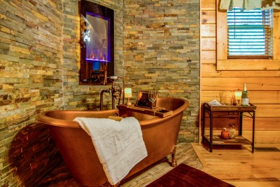 dancing-bearfoot-copper-tub-1