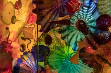 Chihuly_ceiling