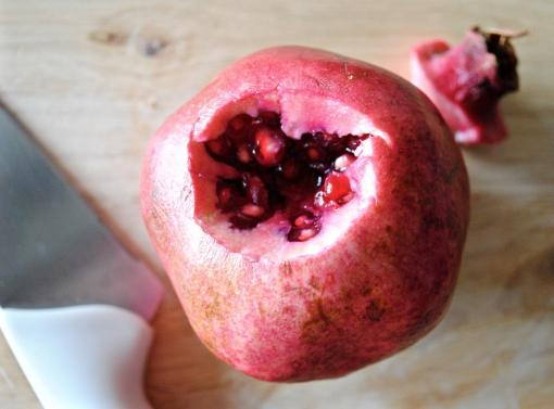 Dancing for Donuts   Early Autumn Salad. [+ How to Cut a Pomegranate!]