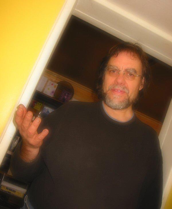 2008-11-24-greg-expounding1