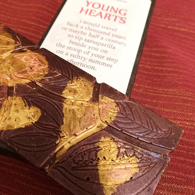 Painted HEART BARS - rose blossom, French lavender, or sarsaparilla in Liona 60% Dominican Republic dark chocolate.#chocolatier #valentinesdaygift #chocolateasart