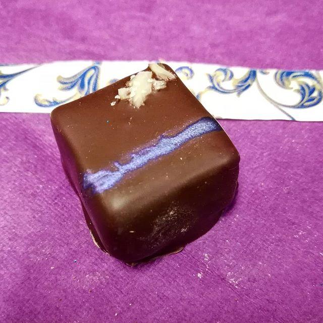 ABSORBED IN REALITY - kamiri nut with caramel, espresso and Puerto Rican ganache@chocolateforteza#chocolatier #caramel #kamirinut #madefromscratch