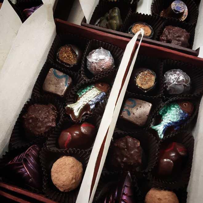 BONBON SHARING BOXES, a few for shipping. #chocolatier #boxofchocolates