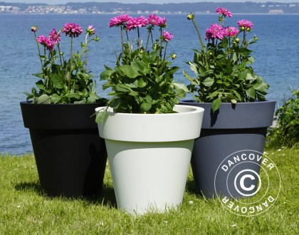 Lightweight planters in modern design