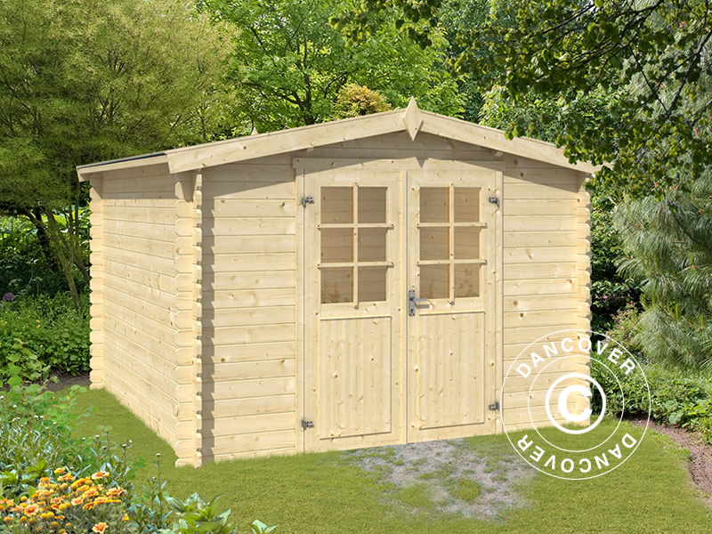Tool shed in solid wood
