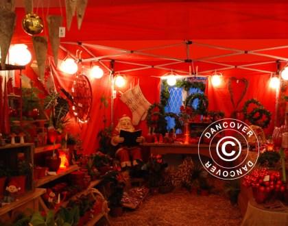Weihnachtsmarkt in einem eleganten Marktzelt