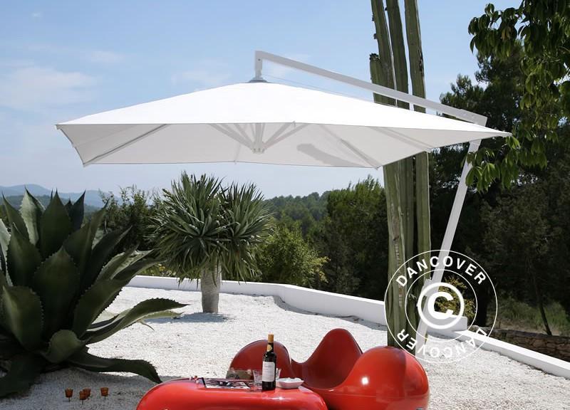 Vackert frihängande parasoll