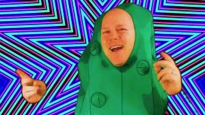 Koolickle Man sings