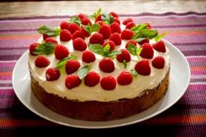 raspberry cake (640x427)
