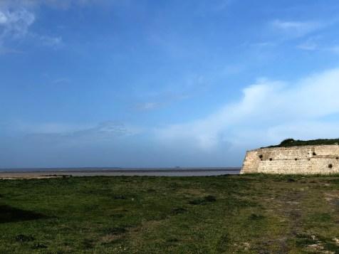 Ganz hinten Fort Boyard