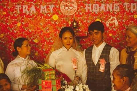 Nhóm bạn trẻ tái hiện đám cưới xúc động của năm 80 - 1