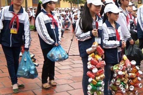 Nguyễn Thế Thịnh: Đừng bắt học sinh nộp lon bia nữa!