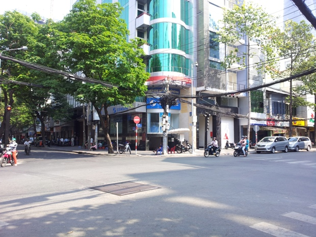 Bán nhà Quận 1 đường Lê Anh Xuân kế bên khách sạn New World