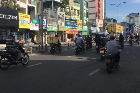 Bán nhà mặt tiền đường Nguyễn Trọng Tuyển, P15, Q Phú Nhuận. DT: 3,6x22m,  giá