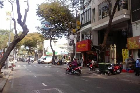 Mặt tiền đường Mạc Đĩnh Chi, P.Đa Kao, Q. 1. DT: 5.5x27m, giá: 28