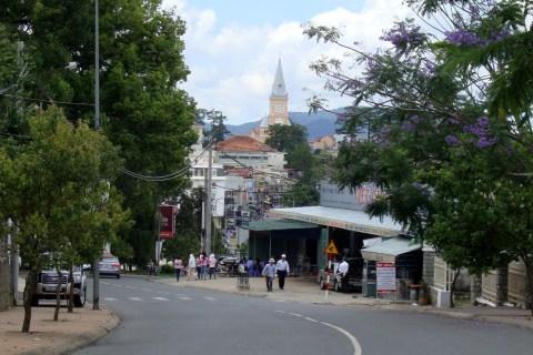 File:Đường Lê Thị Hồng Gấm, Thành phố Đà Lạt.JPG - Wikipedia