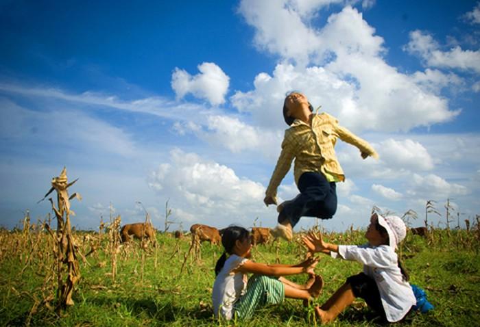 Loạt hình ảnh thời thơ ấu khiến dân mạng thổn thức - Giáo dục Việt Nam