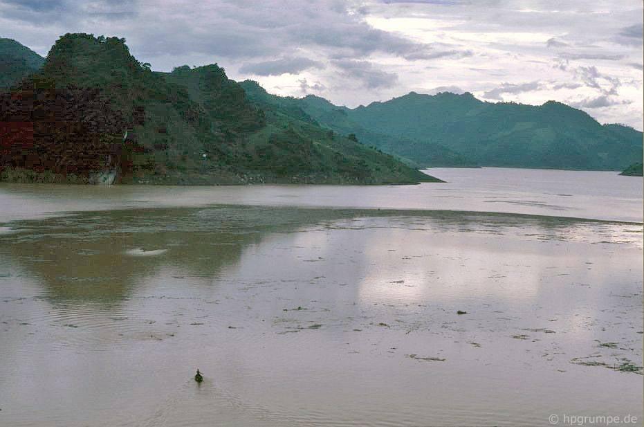Hὸa Bὶnh: Hồ chứa