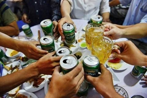 Người việt nam ăn mặn và tiêu thụ bia rượu quá độ