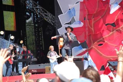 Playing with Paul Brandt Canada Day Ottowa, Canada