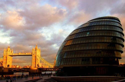 City_hall_and_tower_bridge_hdr