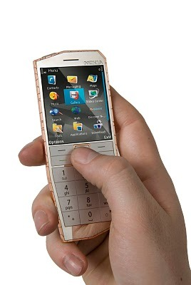 Nokia_e-cu_hold_white_background_copy