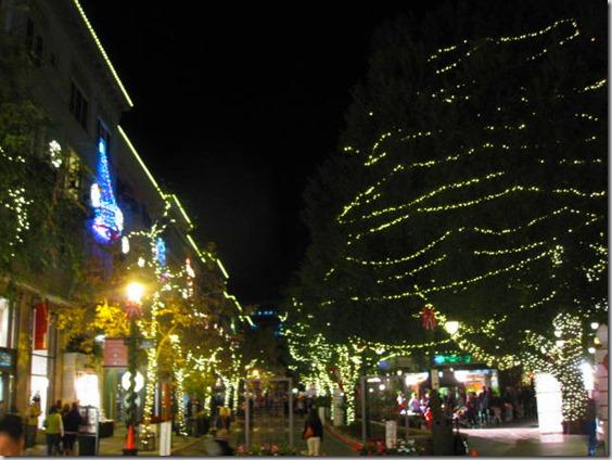 Row Christmas Santana Lighting Tree