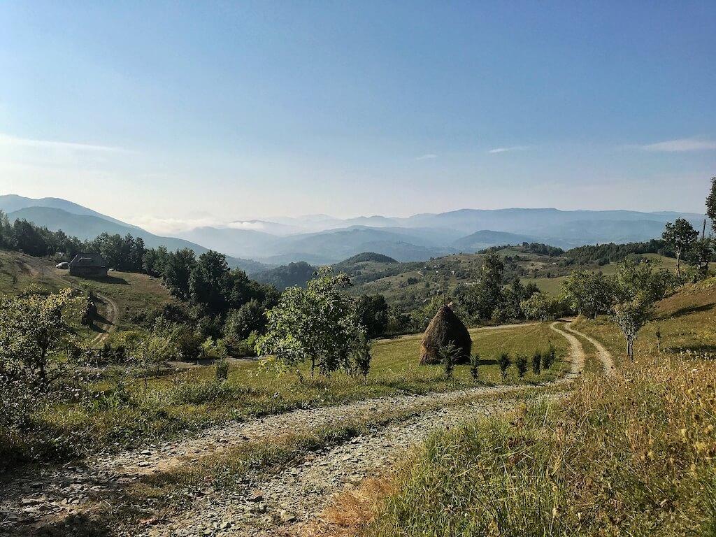 barsana maramures work and travel peisaj muntii rodnei muntii maramuresului