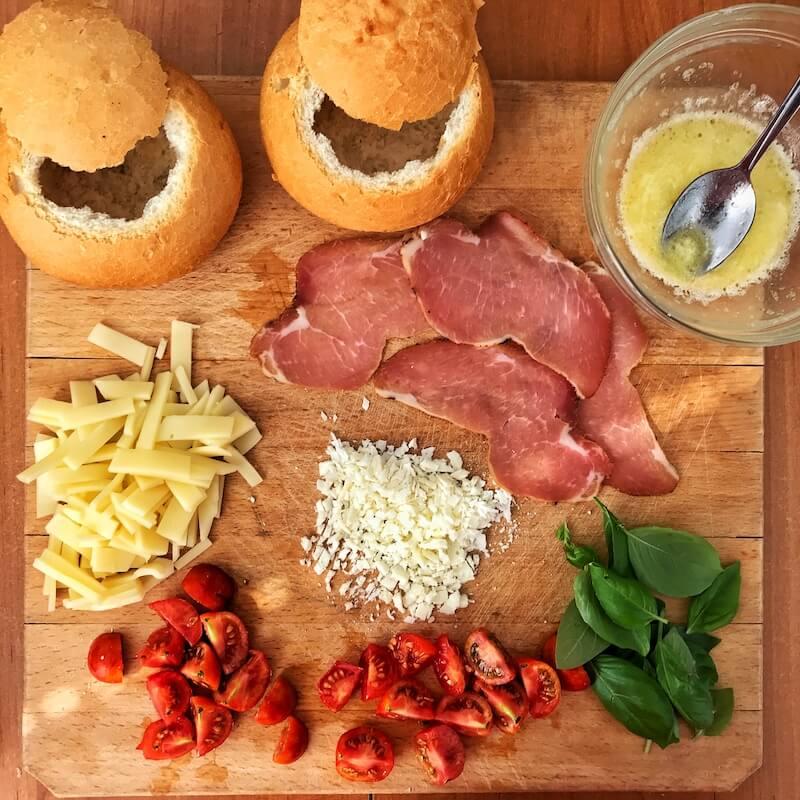 bread bowl ou in paine ingrediente preparate reteta mic dejun