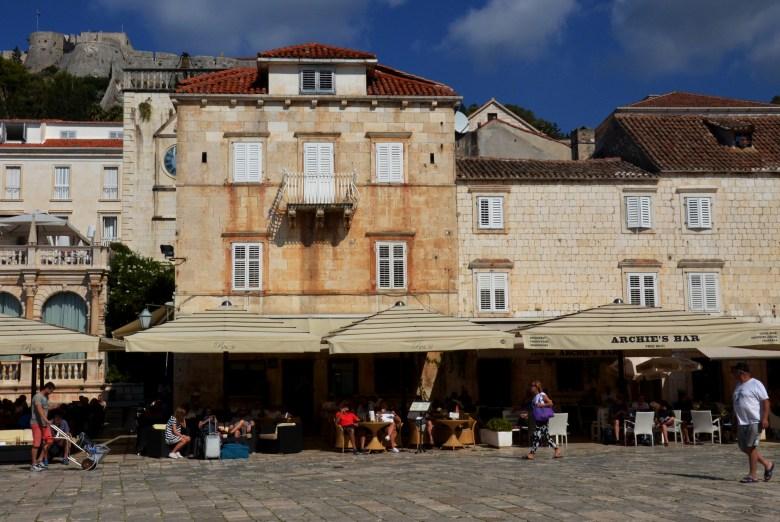 praça de são estevão - st stephen's square - hvar - croácia
