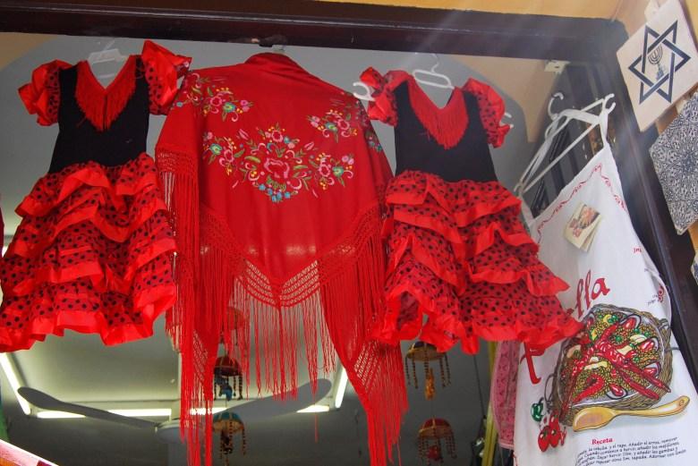 roupa-flamenca-centro-historico-cordoba-espanha-andaluzia-turismo