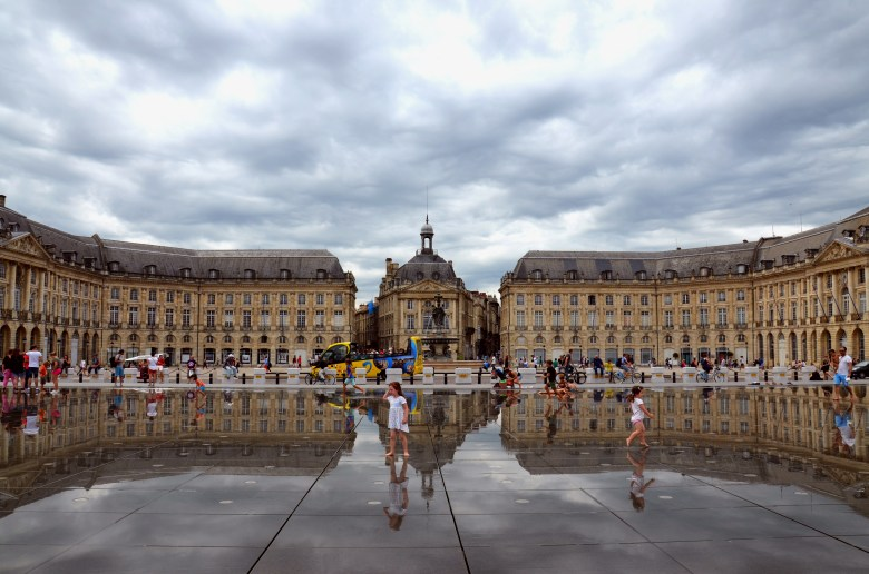 place de la bourse - espelho d'água - bordéus - bordeaux - frança - pontos turísticos