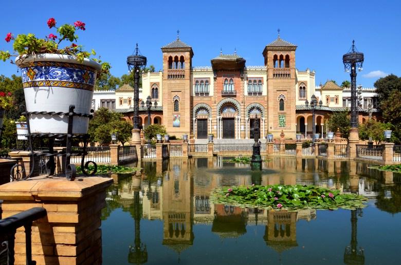 Museu de Artes e Costumes Populares de Sevilha - parque maria luisa - andaluzia - pontos turísticos