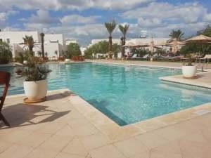 dove soggiornare a Djerba: piscina de Les jardins de Toumana