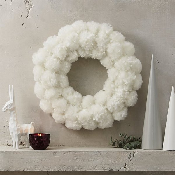 Welcome Your Guests With These Wreaths!