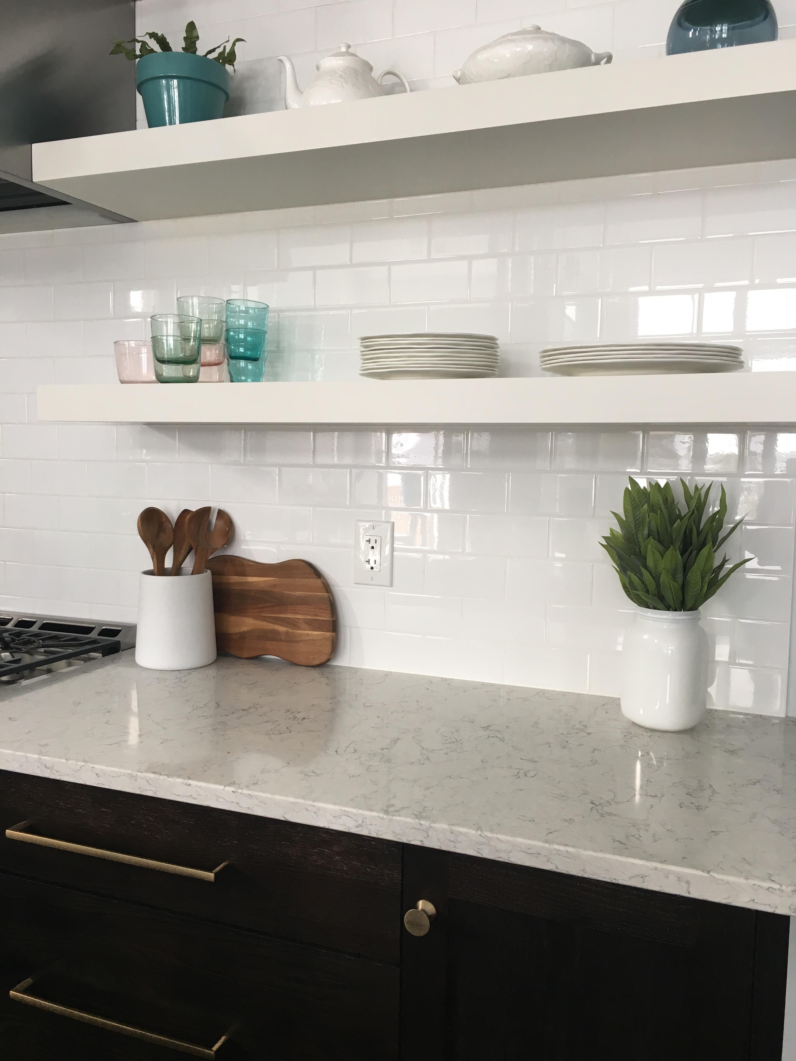 Kitchen Crush: Two Toned Cabinets! - Daniela Pluviati Home Staging