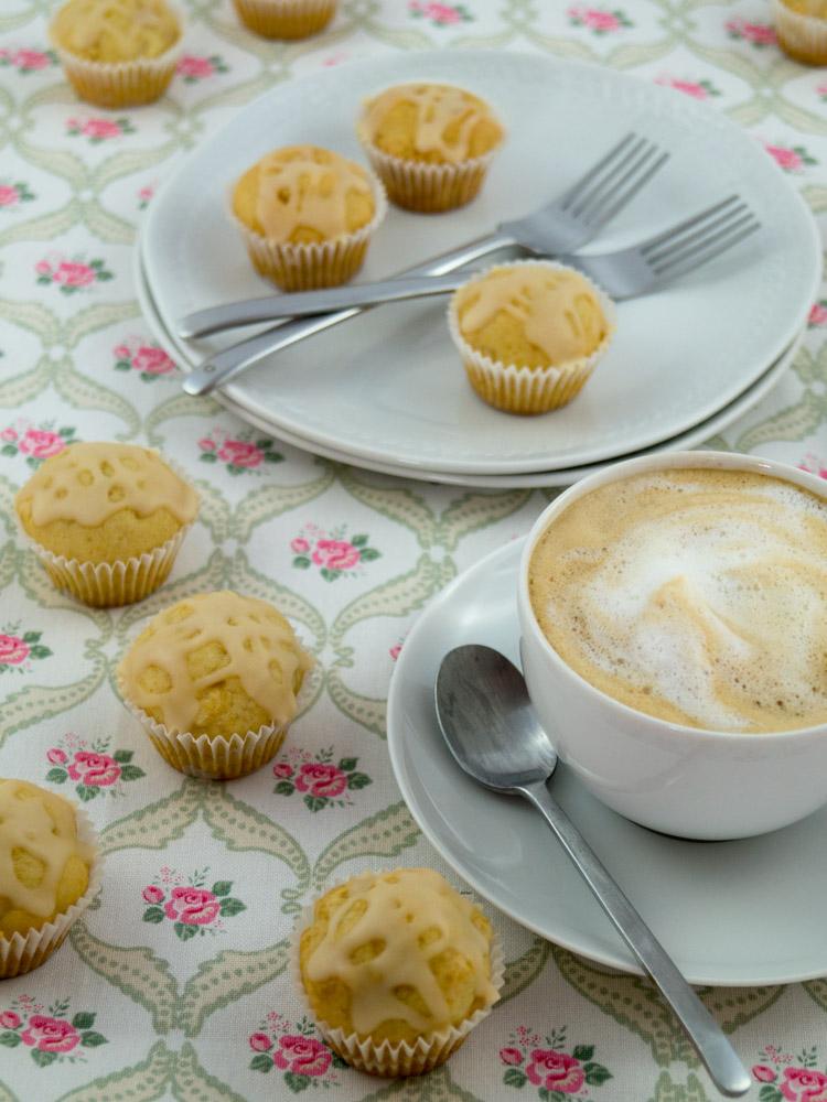 Amaretto-Mini-Muffins_05