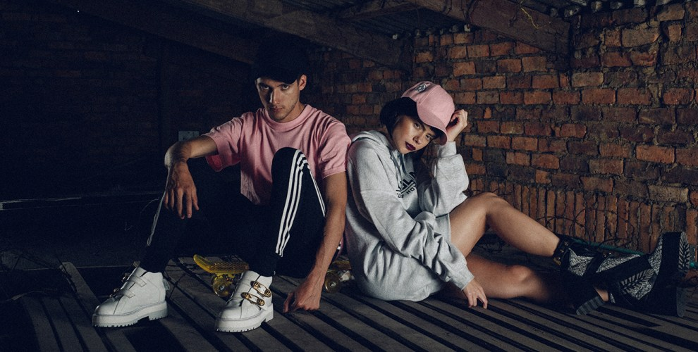 fashion-editorial-militar-pink-kids-sport-shoes-danielastyling
