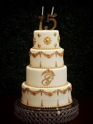 15 ans years - noeud bow d'or Golden pearls perles Gâteau de anniversaire - montreal - quebec - Anniversary - cake - Gâteau de fête - Party cake - Gateau personalise sur mesure customisé - custom cake - etage layers