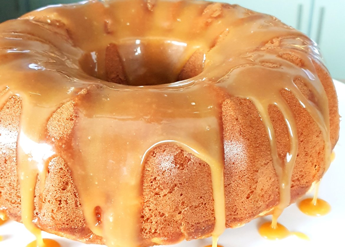 apple bundt cake with salted caramel sauce