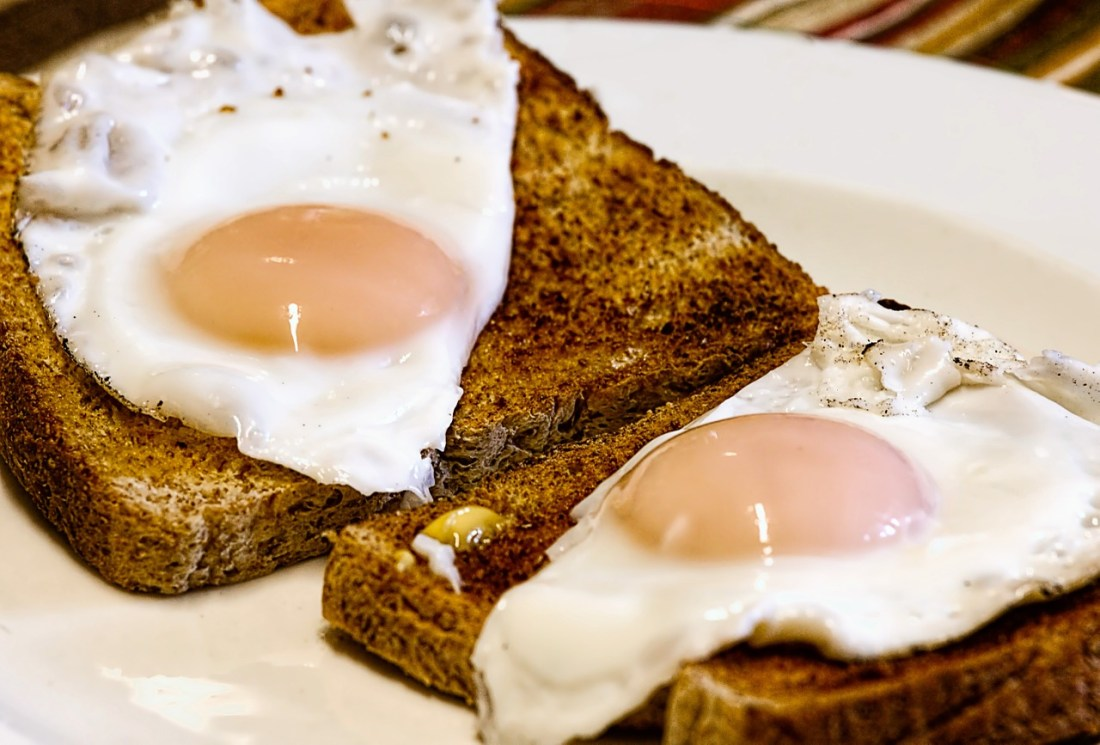 ovos no pão