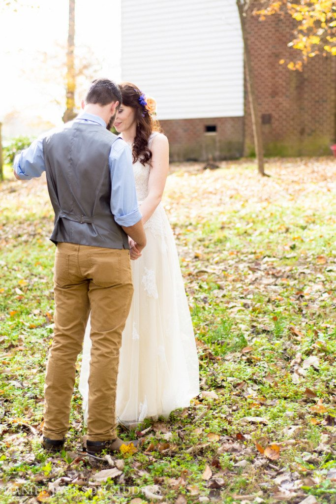 Barn-Fall-Midday-Chesapeake-Wedding-20