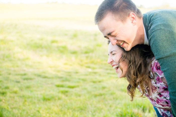 bells-mill-park-outdoor-spring-photoshoot-engagement-photography-photographer-chesapeake-virginia-north-carolina-va-sc-outdoor-field-natural-candid-wedding-47