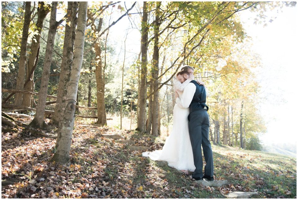 estate-at-creekside-fall-rustic-wedding-bradfordsville-kentucky-smores-country-photography-photographer-26.jpg