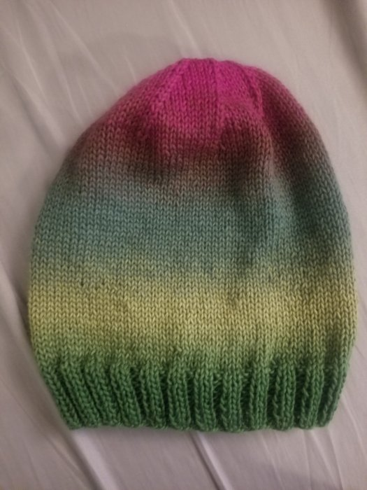 basic ombre knitted hat